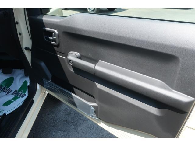 XL 4WD リフトアップ 新品16インチホイール 新品ジオランダーMTタイヤ レーンアシスト 衝突被害軽減ブレーキ ダウンヒルアシスト カロッツェリアSDナビ 地デジ バックカメラ  シートヒーター(23枚目)
