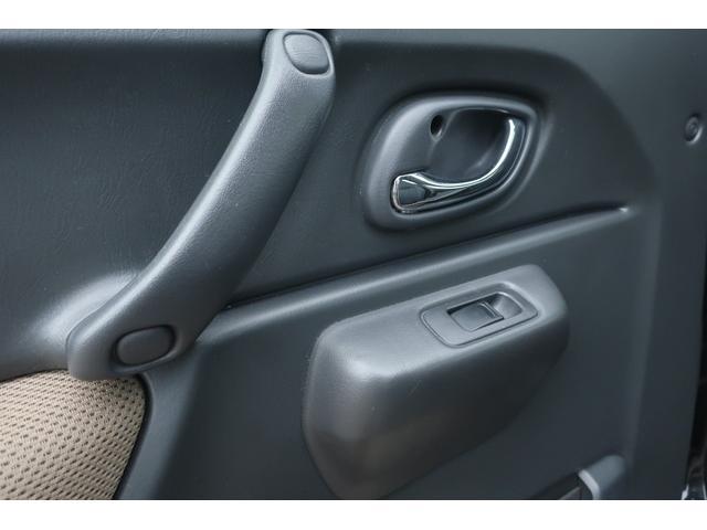 ランドベンチャー 10型 5速マニュアル リフトアップ 新品ジオランダーM/Tタイヤ MBRO製LEDテールランプ 社外マフラー クラリオンSDナビ 地デジ Bluetooth  ETC 黒合皮シート シートヒーター(26枚目)