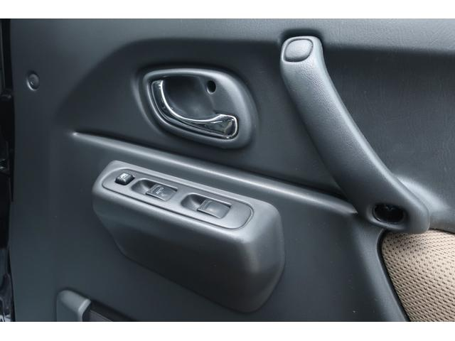 ランドベンチャー 10型 5速マニュアル リフトアップ 新品ジオランダーM/Tタイヤ MBRO製LEDテールランプ 社外マフラー クラリオンSDナビ 地デジ Bluetooth  ETC 黒合皮シート シートヒーター(51枚目)