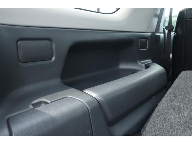 ランドベンチャー 10型 5速マニュアル リフトアップ 新品ジオランダーM/Tタイヤ MBRO製LEDテールランプ 社外マフラー クラリオンSDナビ 地デジ Bluetooth  ETC 黒合皮シート シートヒーター(58枚目)