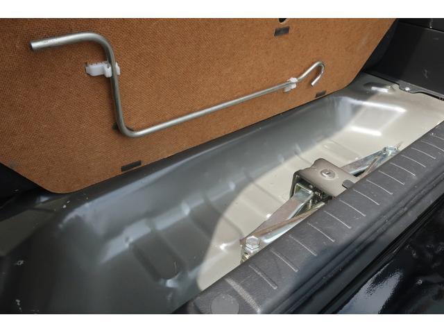 ランドベンチャー 10型 5速マニュアル リフトアップ 新品ジオランダーM/Tタイヤ MBRO製LEDテールランプ 社外マフラー クラリオンSDナビ 地デジ Bluetooth  ETC 黒合皮シート シートヒーター(60枚目)