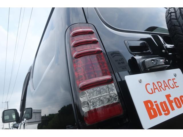 ランドベンチャー 10型 5速マニュアル リフトアップ 新品ジオランダーM/Tタイヤ MBRO製LEDテールランプ 社外マフラー クラリオンSDナビ 地デジ Bluetooth  ETC 黒合皮シート シートヒーター(73枚目)