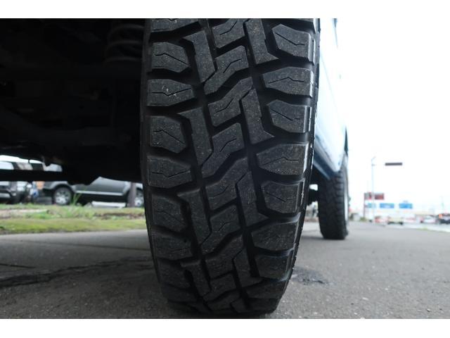 XL 4WD ディスプレイオーディオ JAOSリフトアップキット JAOSショック RAYS16インチアルミ オープンカントリーR/Tタイヤ ジーアイギアルーフラック ジーアイギアリアラダー シートカバー(77枚目)