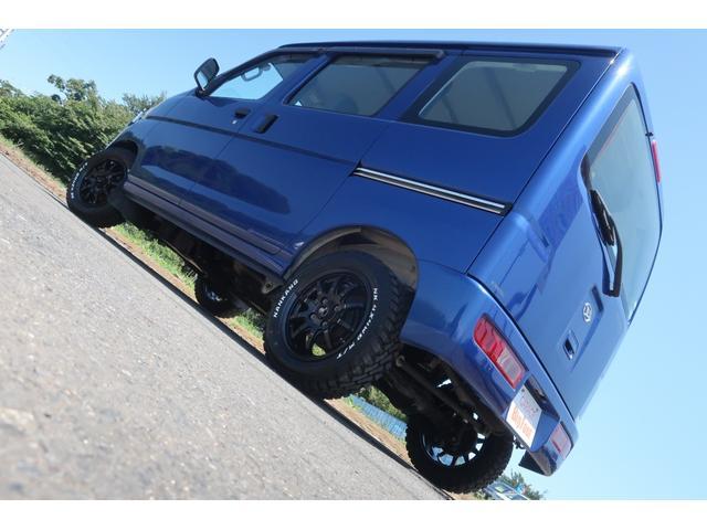 スペシャルクリーン パートタイム4WD 全塗装 社外14インチアルミ NANKANG M/Tタイヤ パワステ エアコン エアバッグ 集中ドアロック ドアバイザー ヘッドライトレベライザー 消火器 純正タイヤ4本付(6枚目)