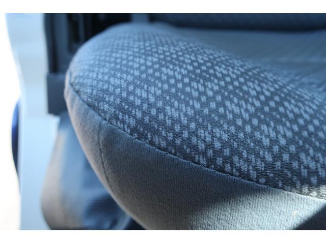 スペシャルクリーン パートタイム4WD 全塗装 社外14インチアルミ NANKANG M/Tタイヤ パワステ エアコン エアバッグ 集中ドアロック ドアバイザー ヘッドライトレベライザー 消火器 純正タイヤ4本付(14枚目)