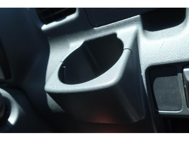スペシャルクリーン パートタイム4WD 全塗装 社外14インチアルミ NANKANG M/Tタイヤ パワステ エアコン エアバッグ 集中ドアロック ドアバイザー ヘッドライトレベライザー 消火器 純正タイヤ4本付(17枚目)