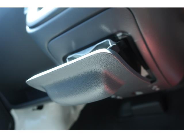 スペシャルクリーン パートタイム4WD 全塗装 社外14インチアルミ NANKANG M/Tタイヤ パワステ エアコン エアバッグ 集中ドアロック ドアバイザー ヘッドライトレベライザー 消火器 純正タイヤ4本付(24枚目)