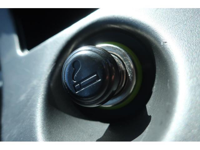 スペシャルクリーン パートタイム4WD 全塗装 社外14インチアルミ NANKANG M/Tタイヤ パワステ エアコン エアバッグ 集中ドアロック ドアバイザー ヘッドライトレベライザー 消火器 純正タイヤ4本付(26枚目)