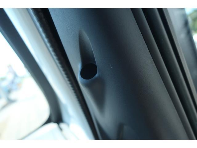 スペシャルクリーン パートタイム4WD 全塗装 社外14インチアルミ NANKANG M/Tタイヤ パワステ エアコン エアバッグ 集中ドアロック ドアバイザー ヘッドライトレベライザー 消火器 純正タイヤ4本付(34枚目)