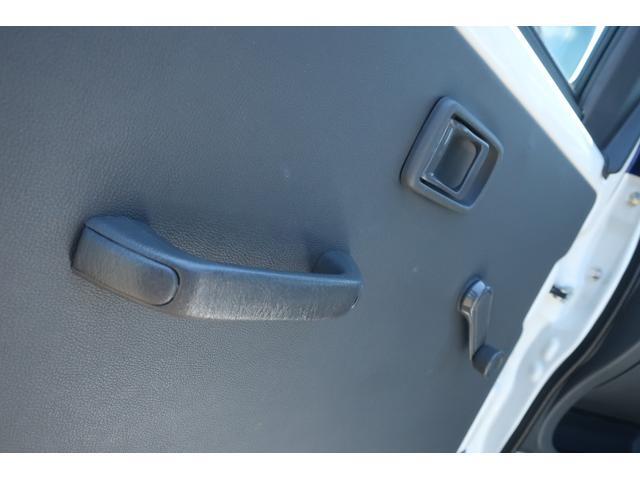 スペシャルクリーン パートタイム4WD 全塗装 社外14インチアルミ NANKANG M/Tタイヤ パワステ エアコン エアバッグ 集中ドアロック ドアバイザー ヘッドライトレベライザー 消火器 純正タイヤ4本付(36枚目)