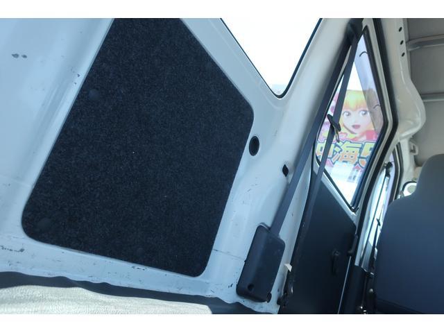 スペシャルクリーン パートタイム4WD 全塗装 社外14インチアルミ NANKANG M/Tタイヤ パワステ エアコン エアバッグ 集中ドアロック ドアバイザー ヘッドライトレベライザー 消火器 純正タイヤ4本付(53枚目)