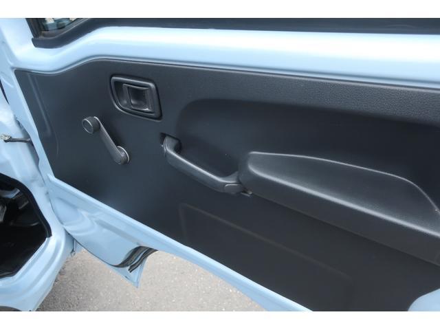 スタンダード 4WD あおりガード 荷台マット TOYOオープンカントリーRTタイヤ エアコン パワステ 三方開き純正フロアマット ドアバイザー(19枚目)