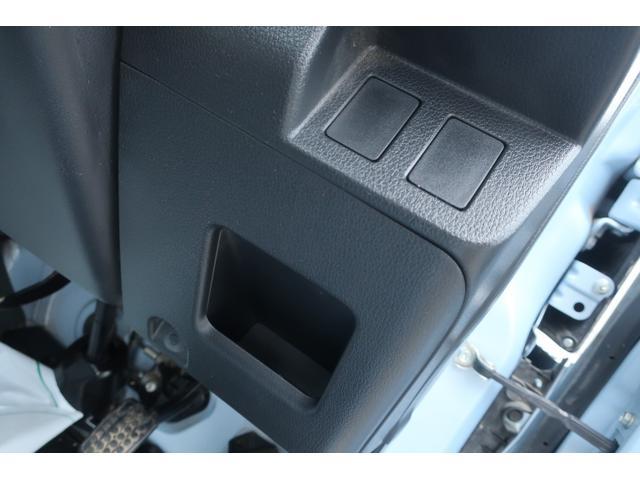 スタンダード 4WD あおりガード 荷台マット TOYOオープンカントリーRTタイヤ エアコン パワステ 三方開き純正フロアマット ドアバイザー(24枚目)