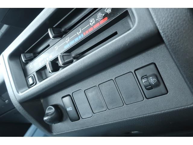 スタンダード 4WD あおりガード 荷台マット TOYOオープンカントリーRTタイヤ エアコン パワステ 三方開き純正フロアマット ドアバイザー(31枚目)