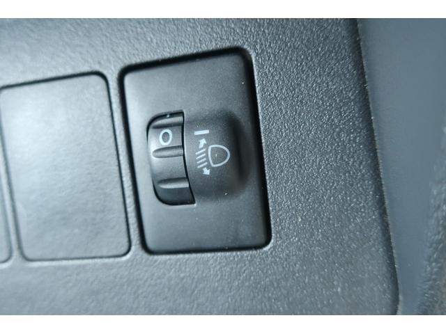 スタンダード 4WD あおりガード 荷台マット TOYOオープンカントリーRTタイヤ エアコン パワステ 三方開き純正フロアマット ドアバイザー(33枚目)