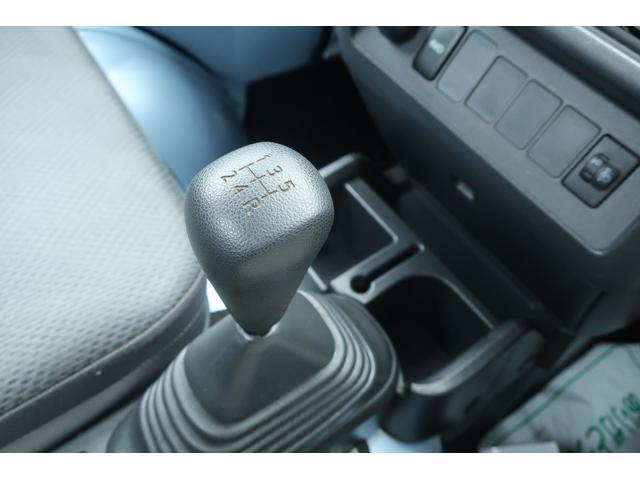 スタンダード 4WD あおりガード 荷台マット TOYOオープンカントリーRTタイヤ エアコン パワステ 三方開き純正フロアマット ドアバイザー(35枚目)