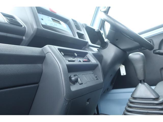 スタンダード 4WD あおりガード 荷台マット TOYOオープンカントリーRTタイヤ エアコン パワステ 三方開き純正フロアマット ドアバイザー(48枚目)