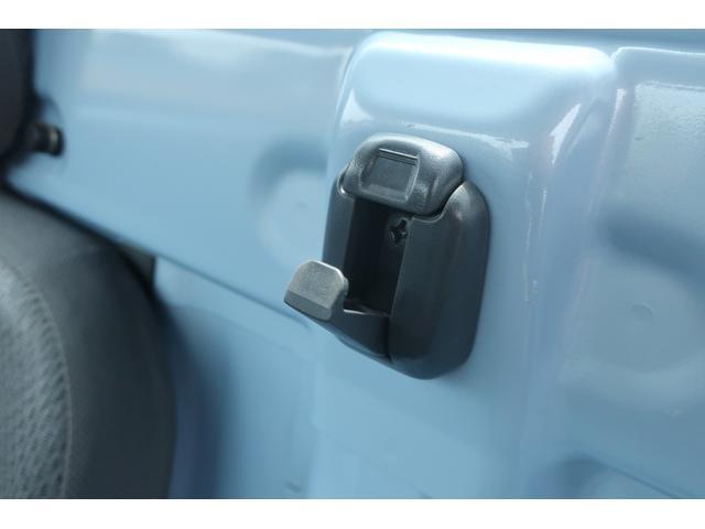 スタンダード 4WD あおりガード 荷台マット TOYOオープンカントリーRTタイヤ エアコン パワステ 三方開き純正フロアマット ドアバイザー(50枚目)
