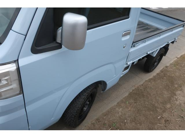 スタンダード 4WD あおりガード 荷台マット TOYOオープンカントリーRTタイヤ エアコン パワステ 三方開き純正フロアマット ドアバイザー(56枚目)