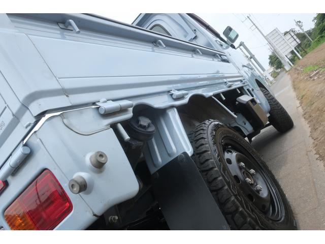 スタンダード 4WD あおりガード 荷台マット TOYOオープンカントリーRTタイヤ エアコン パワステ 三方開き純正フロアマット ドアバイザー(60枚目)