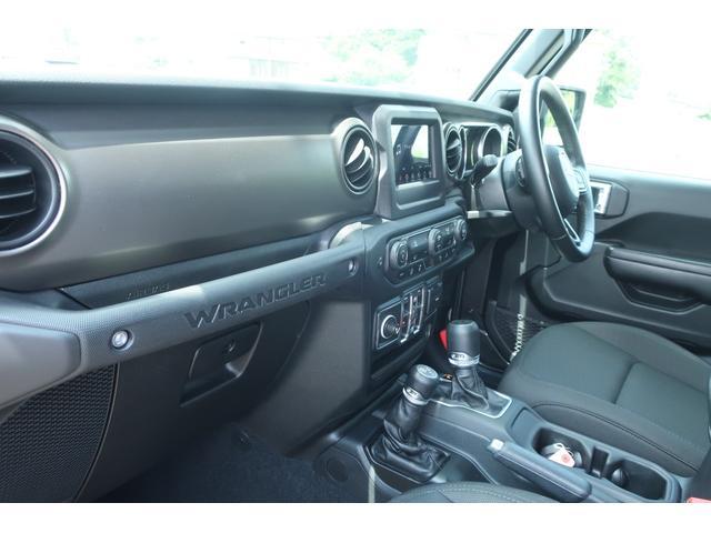 スポーツ 4WD RUBICONタイプFRバンパー ROUGHCOUNTRY3.5INリフトアップKIT FUEL17インチAW ジオランダー サイドロックスライダー 50INLEDバー 純正アップルプレイ(49枚目)