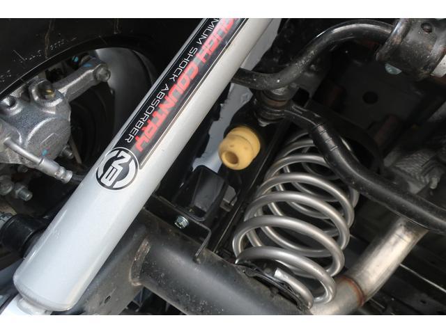 スポーツ 4WD RUBICONタイプFRバンパー ROUGHCOUNTRY3.5INリフトアップKIT FUEL17インチAW ジオランダー サイドロックスライダー 50INLEDバー 純正アップルプレイ(73枚目)