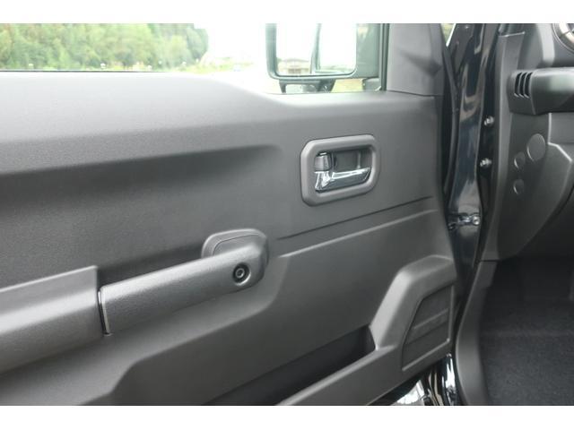 XC 4WD リフトアップ 新品16インチアルミ 新品オープンカントリーRTタイヤ 届出済未使用車 LEDライト レーンアシスト ダウンヒルアシスト クルーズコントロール シートヒーター オーディオレス(27枚目)