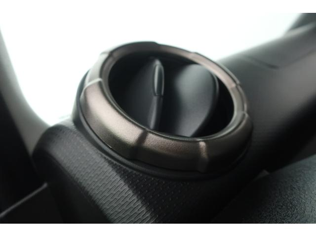 XC 4WD リフトアップ 新品16インチアルミ 新品オープンカントリーRTタイヤ 届出済未使用車 LEDライト レーンアシスト ダウンヒルアシスト クルーズコントロール シートヒーター オーディオレス(28枚目)