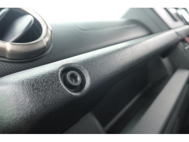 XC 4WD リフトアップ 新品16インチアルミ 新品オープンカントリーRTタイヤ 届出済未使用車 LEDライト レーンアシスト ダウンヒルアシスト クルーズコントロール シートヒーター オーディオレス(29枚目)