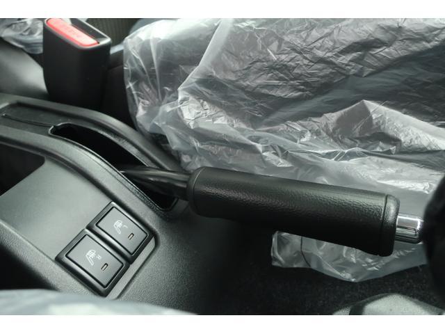 XC 4WD リフトアップ 新品16インチアルミ 新品オープンカントリーRTタイヤ 届出済未使用車 LEDライト レーンアシスト ダウンヒルアシスト クルーズコントロール シートヒーター オーディオレス(41枚目)