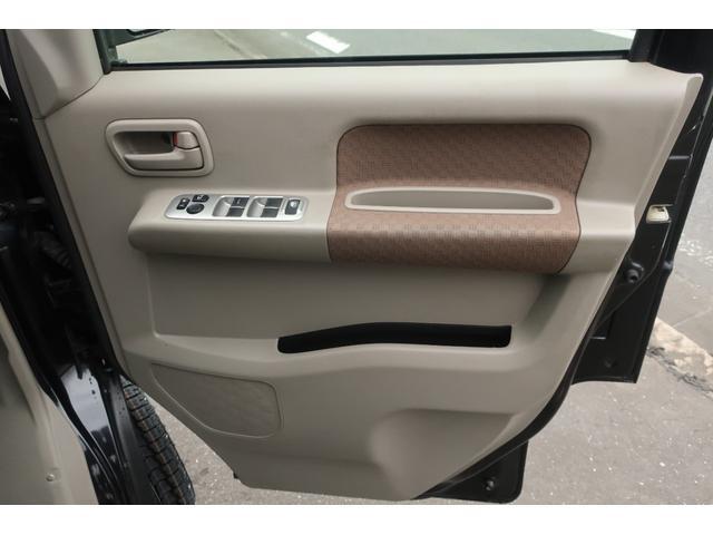 ジョインターボ 4WD 社外HDDナビ 地デジ ETC 社外14インチアルミホイール 新品MUDSTAR A/Tタイヤ クラッツィオシートカバー 両側スライドドア キーレス ヘッドライトレベライザー 純正ゴムマット(11枚目)