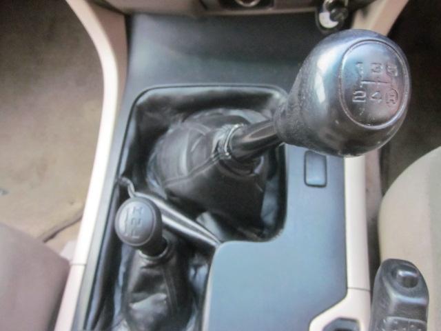 4WDの5速マニュアル車です♪