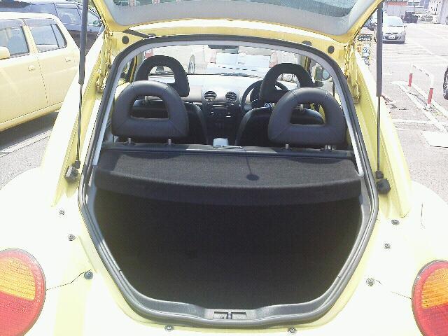 フォルクスワーゲン ニュービートル 2000 プラス 2ドア 4FAT 2WD 5人