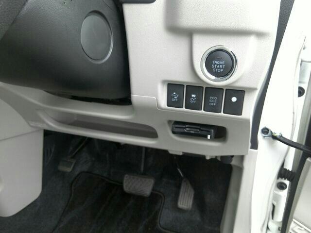 X キーレス フルセグ ナビ&TV エアバッグ オートマ フル装備 助手席エアバッグ ETC バックカメラ スマートキー 横滑り防止機能(2枚目)