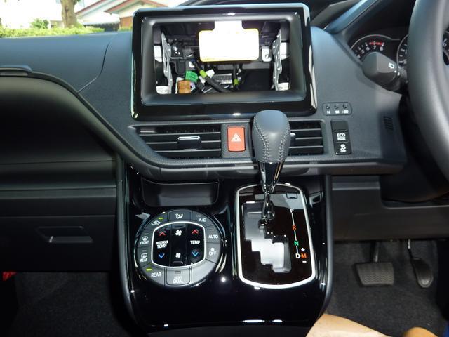 トヨタ ヴォクシー ZS新型車 電動スライドドア 7人 歩行者検知自動ブレーキ
