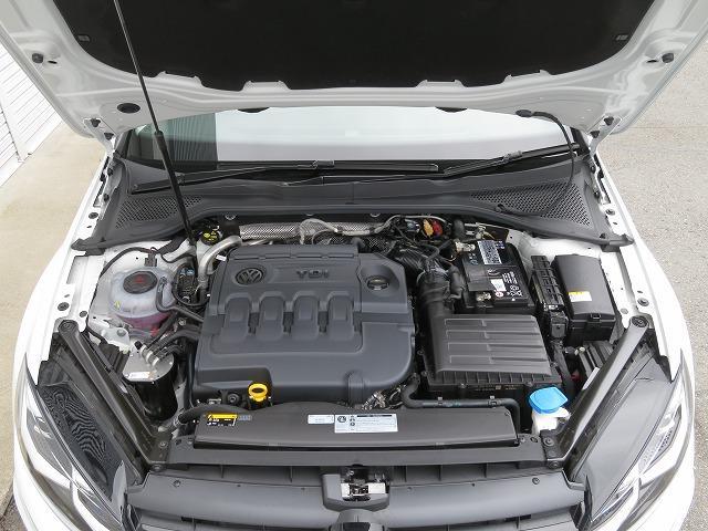 最大トルク340Nm、最高出力150PSの2.0L TDIエンジンは、低回転域で最大トルクを発生し、軽くアクセルペダルを踏み込むだけで気持ちよく加速します。