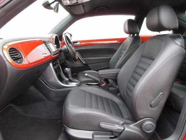 人間工学に基づいて作られたシートは、ロングドライブでも疲れにくい設計です。