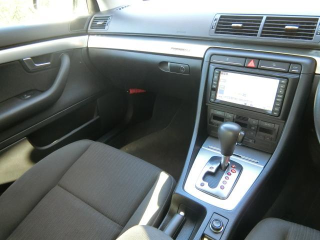 アウディ アウディ A4 2.0TFSIクワトロ 純正ナビ 4WD PWシート