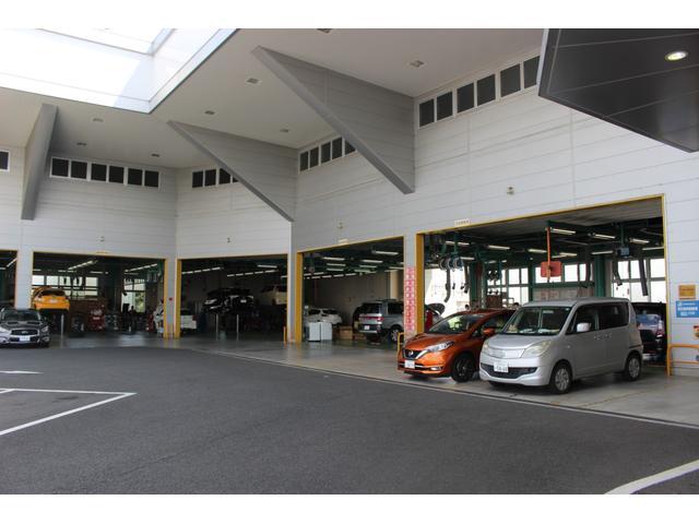 整備工場完備、短時間車検、法定点検、一般整備何でもお任せ下さい。