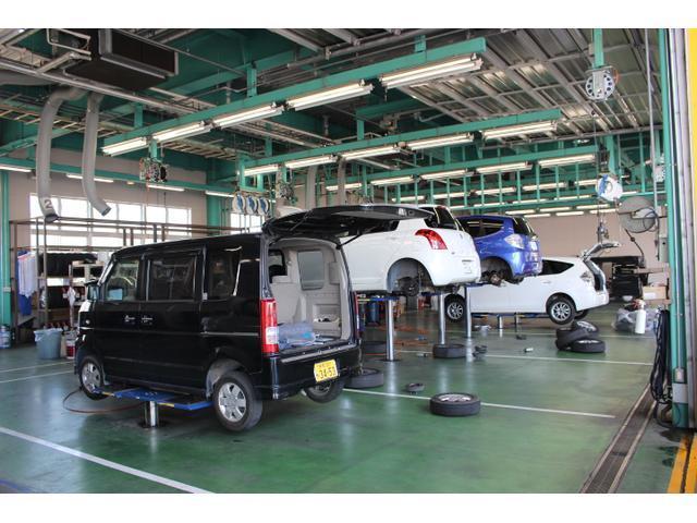 整備工場完備、短時間車検、法定点検、一般整備、自社工場で一貫したメンテナンスサービス、お客様の信頼に応えるハイレベルなサービスをお届けします。