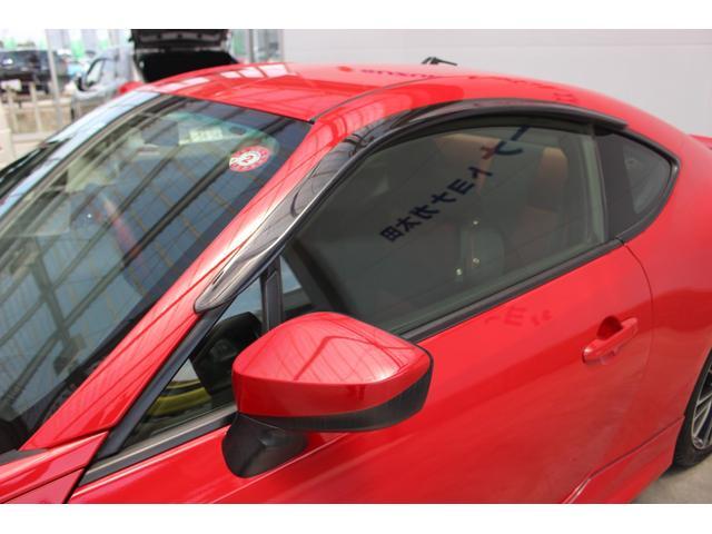 ★中古車の特権!フロアマット・バイザー付いてます!新車のときは別売り!当店はもちろん車輌本体価格に含まれておりますのでご安心を!★