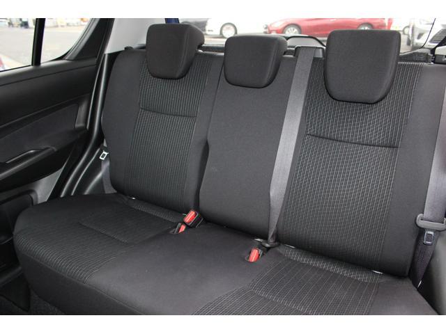 ★後席は座面が長いので、狭いわりにしっかり座れます!シート位置を上手に合わせれば、4人で普通に乗れます★