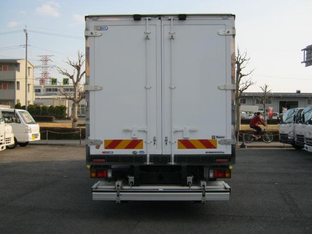 ワイド超ロング低温冷凍車(3枚目)