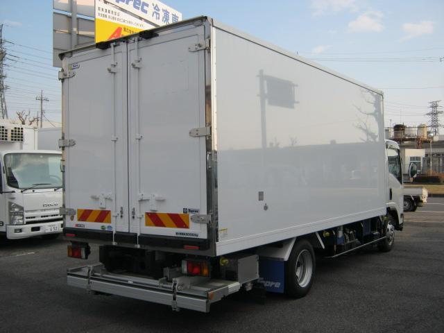 ワイド超ロング低温冷凍車(8枚目)