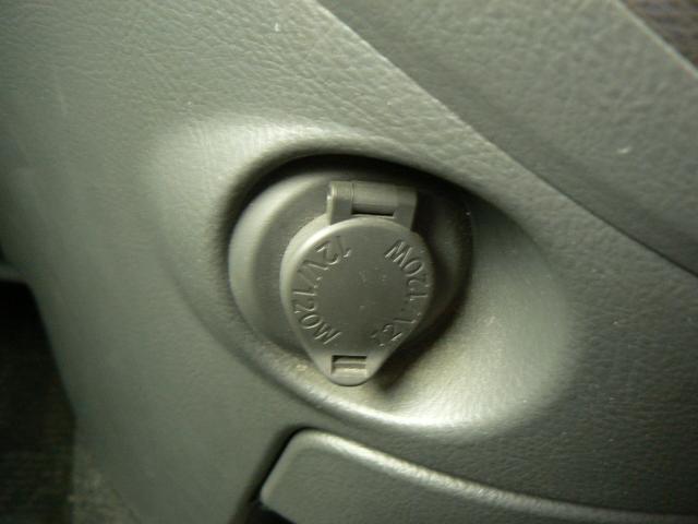 トヨタ アイシス プラタナリミテッドナビ バックカメラ 両側パワースライドドア