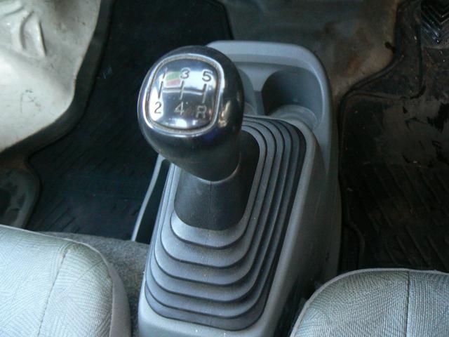 Vタイプ 4WD エアコン ラジオ(11枚目)