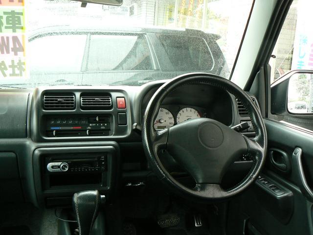 Wエアバッグ&ABSに安全ボディと安全装備も充実!ジムニーを熟知したスタッフが応対させて頂きます!(^^)!