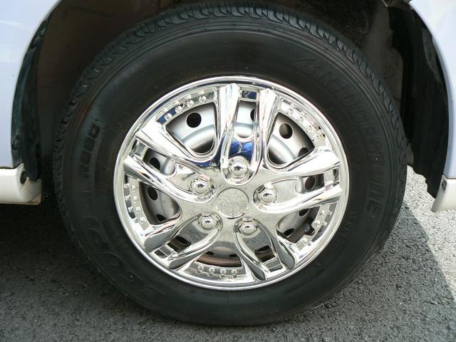 社外新品ホイールキャップ付き!タイヤ、アルミホイールのご相談もお気軽にスタッフまで(^^)/