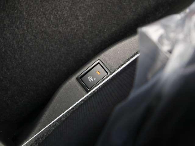 ★シートヒーター★運転席側には、シートヒターが付いています。寒い日には、シートがすぐ温まります。これが有れば快適間違いなし!