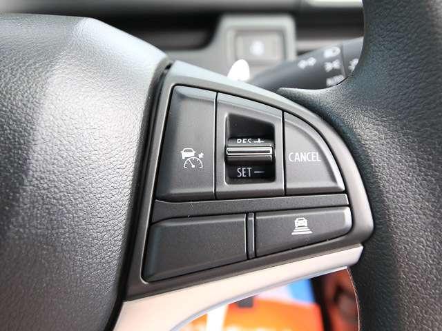 ★アダプティブクルーズコントロール(ACC)★先行車との距離をミリ波レーダーで測定し、車間距離を保ちながら自動的に加速・減速します。